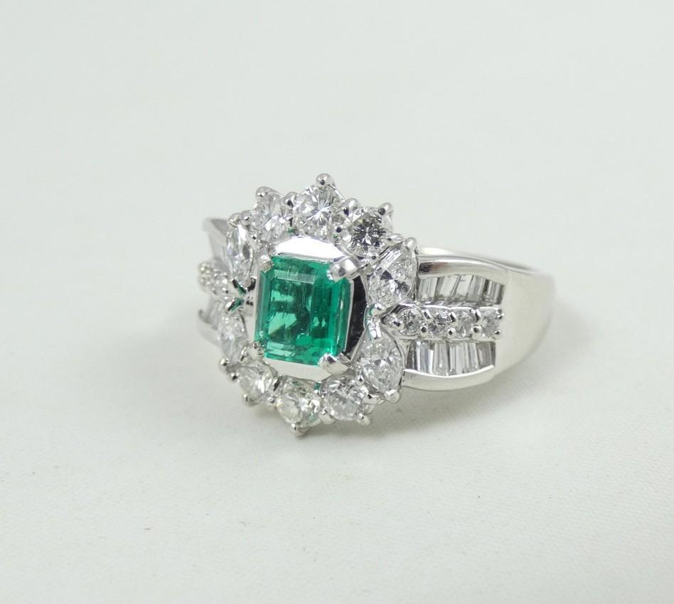 MAGNIFICENT EMERALD & DIAMOND RING