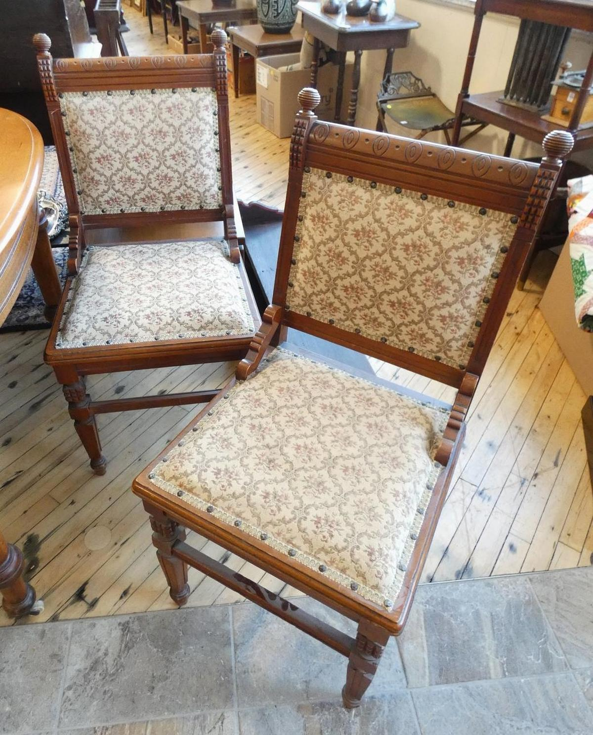 SET OF SIX ANTIQUE DINING CHAIRS