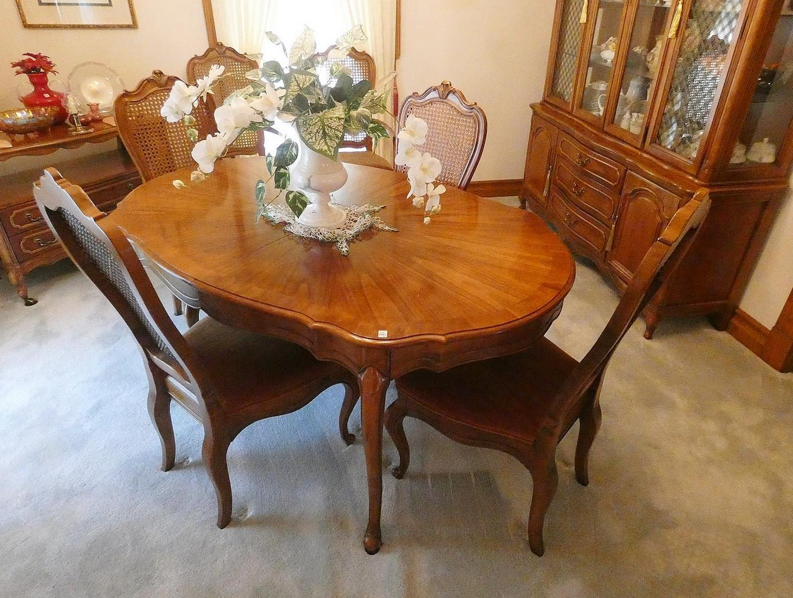 QUALITY DINING SUITE