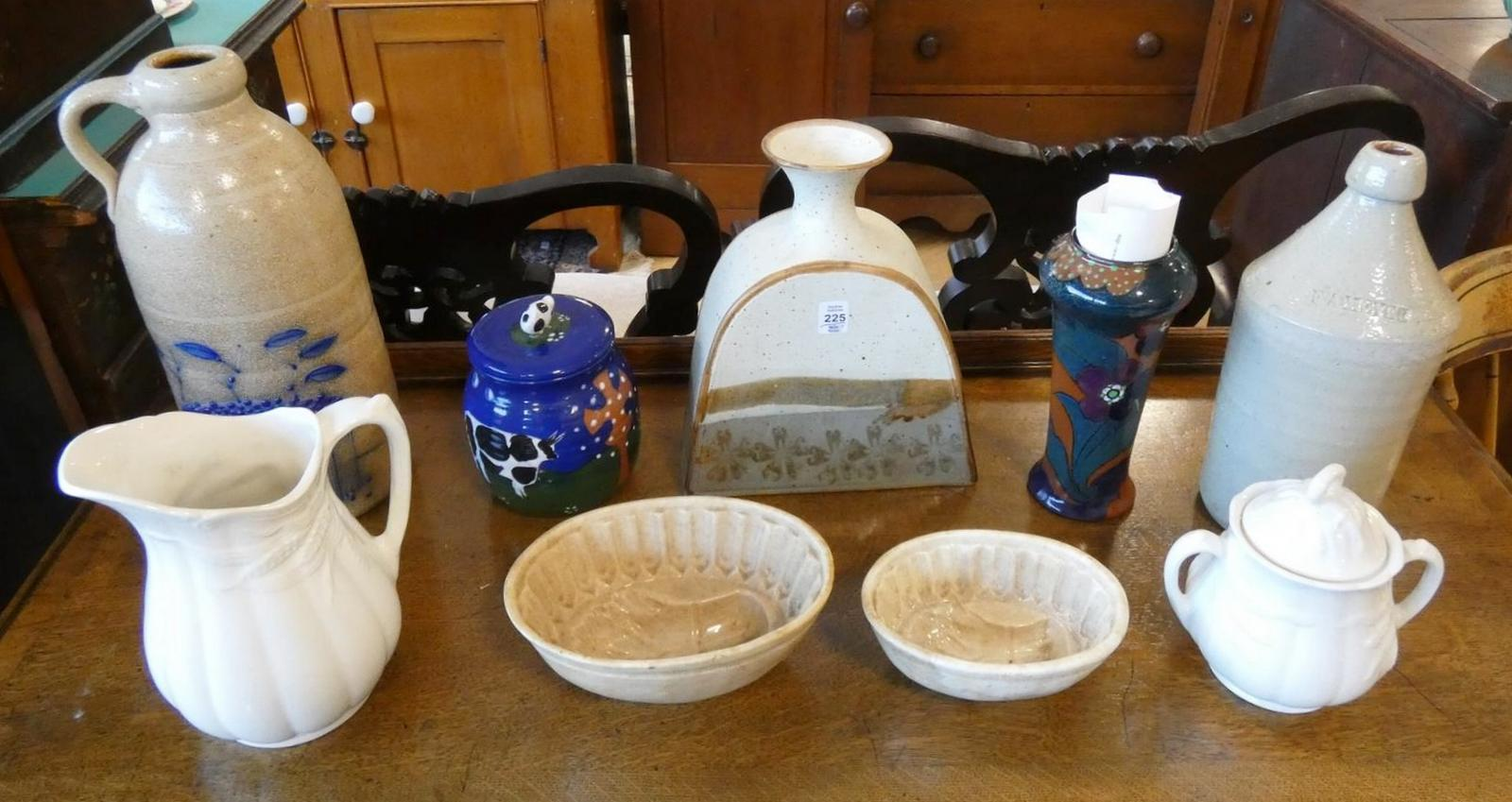 NINE PIECES OF POTTERY