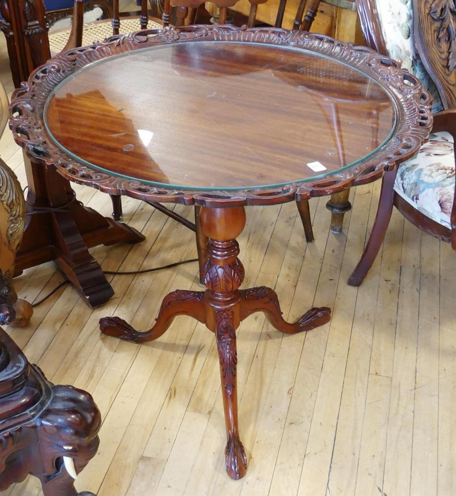 CARVED PEDESTAL LAMP TABLE