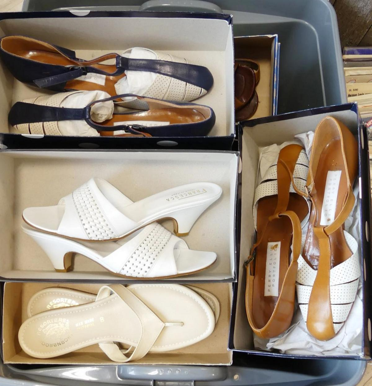 LADIES' SHOES AND SANDALS