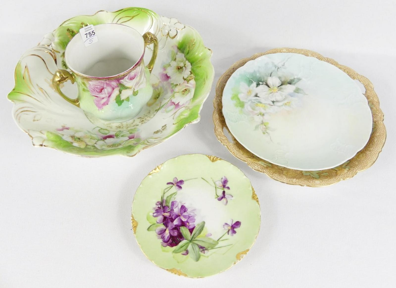 FIVE PIECES OF BAVARIAN CHINA