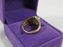 14KT GOLD RING WITH DIAMONDS