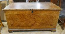 EARLY CANADIAN BLANKET BOX