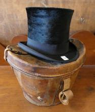 BEAVER TOP HAT WITH BOX