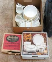 CORELLE DISHES, MIXER