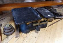 PENDANT NECKLACE, BROOCHES